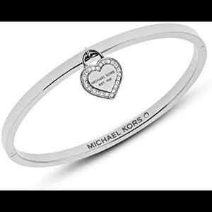 🌻Michael Kors bangle heart bracelet